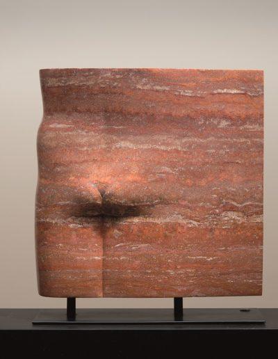 Kobe - Il Paradiso (Heaven) – 2008 – Beeldengalerij Het Depot Wageningen – Marble (Travertino Rosso Persiano) – 46 x 46 x 11 cm (base 46 x 16cm) (pins 4cm) – © John Stoel
