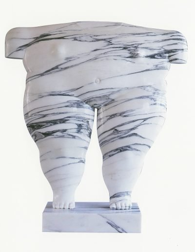 Kobe - Torse de Kobe (Kobe's Torso) – 1993 – Private collection – Marble (Carrara Fantastico) – 87 x 77 x 10 cm – © Robinsons Art Gallery